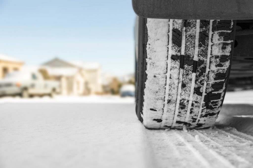 Opony zimowe, jak przygotować samochód dozimy